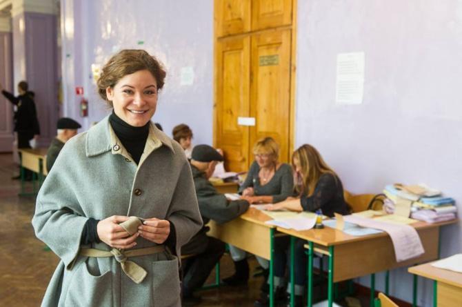 Марію Гайдар видворили з виборчої дільниці - фото