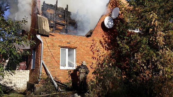 На Київщині горіло селищне відділення міліції - фото