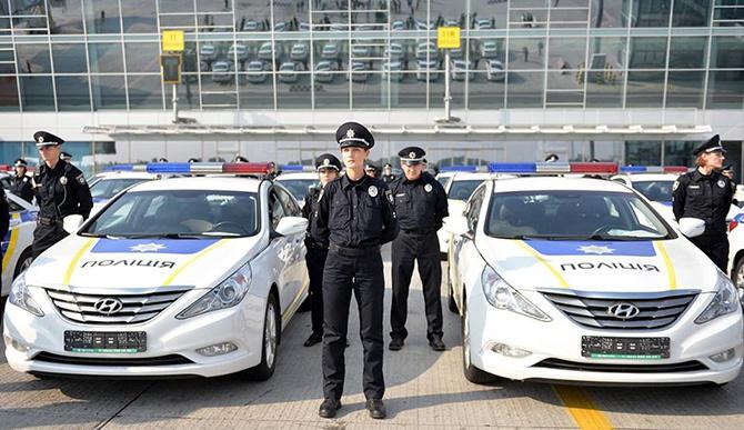 Поліція їздитиме на машинах «Скай Таксі» - фото