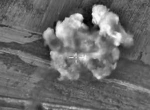 Російська авіація влучила в польовий госпіталь, 13 загиблих - фото