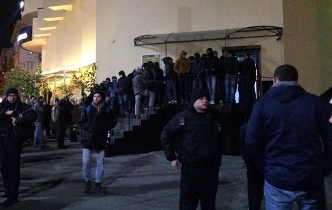 В Києві націоналісти зірвали концерт гурту «Onyx» - фото