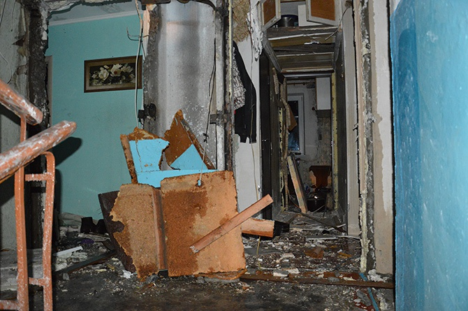 В Кривому Розі стався вибух в житловому будинку, госпіталізовано 7 людей - фото