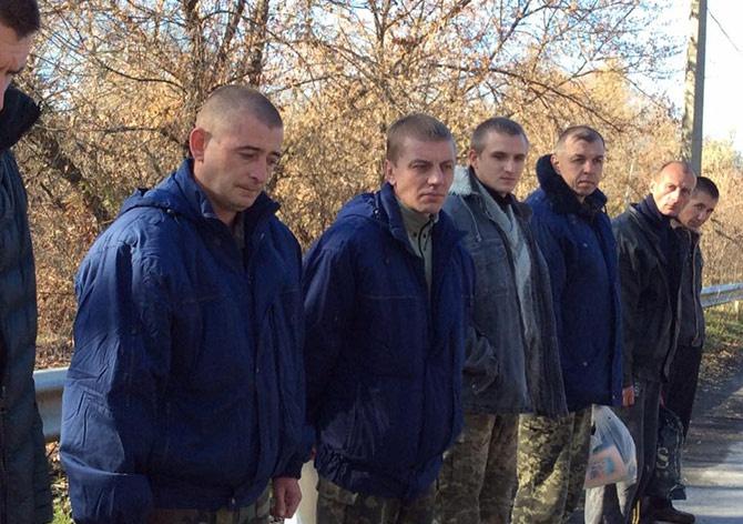 Звільнено дев'ятьох українців - фото