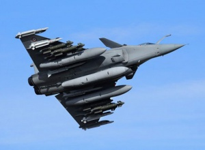Франція нанесла авіаудар на столиці ІДІЛ - фото