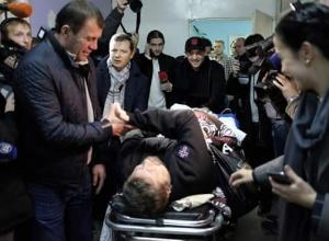 Мосійчука звільнили з-під варти й повезли до лікарні - фото