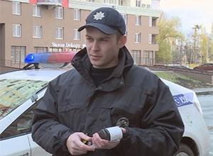 Патрульним поліцейським видали мобільні термінали для сплати штрафу - фото