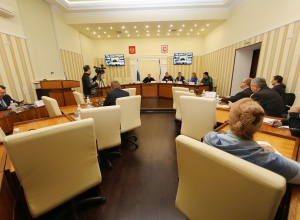 Кримчан заохочують до зустрічі Нового року без електроенергії - фото