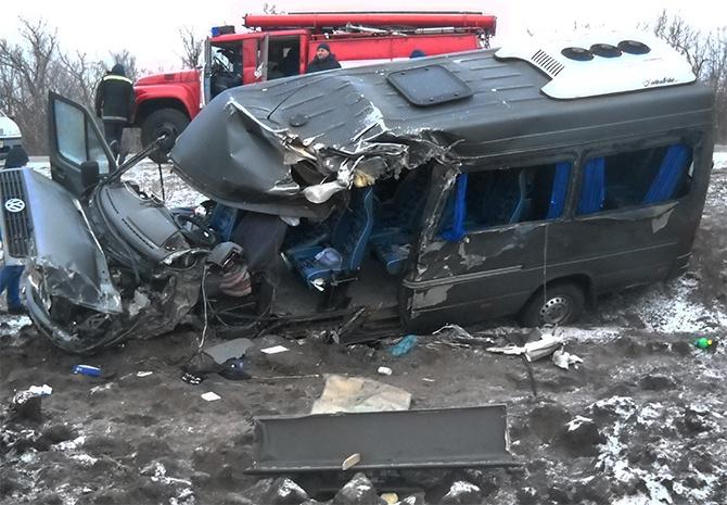 На Кіровоградщині зіткнулися два автобуси, є постраждалі - фото