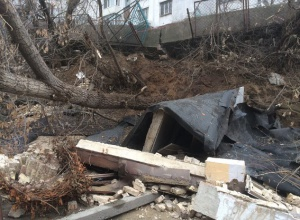 На Солом'янці обвалився фундамент житлової багатоповерхівки - фото