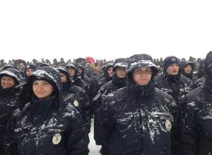 У Дніпропетровську 950 нових поліцейських прийняли присягу - фото