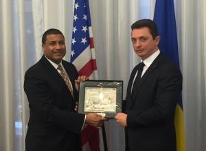 Україна разом із США вироблятимуть сучасне озброєння - фото