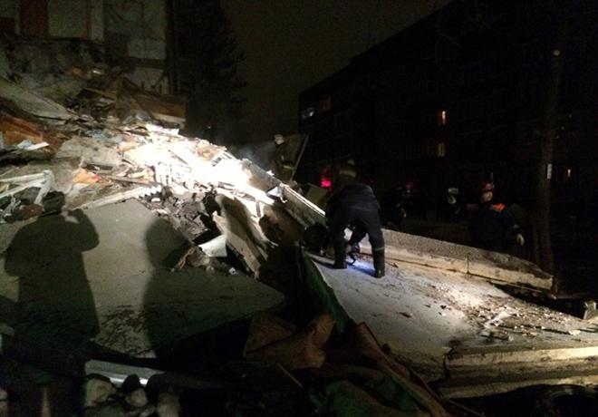 В Ярославлі від вибуху обвалився під'їзд житлового будинку, є загиблі - фото