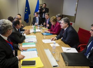 Оланд та Меркель підтвердили, що не зніматимуть санкції з Росії доки та не виконає Мінські домовленості - фото
