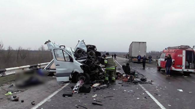 В жахливому ДТП на Полтавщині загинуло 8 людей - фото