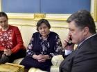 Мати, сестра та президент вмовили Надію Савченко припинити голодування