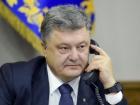 Порошенко попросив Меркель прискорити введення на Донбас поліцейської місії ОБСЄ