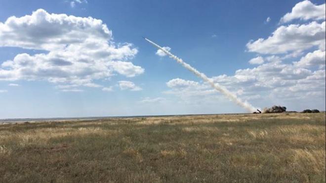 Україна успішно випробувала ракети власного виробництва - фото