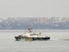 Бойовий корабель РФ навів зброю на українських прикордонників в Чорному морі