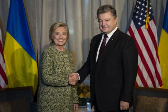 Порошенко зустрівся з Клінтон - фото