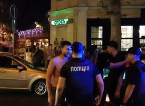 Звільнено трьох патрульних, які не справилися з дебоширами в Миколаєві - фото