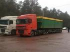 Вантажівки зі сміттям зі Львова своїм запахом привернули увагу поліції на Сумщині