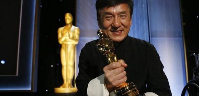 Джекі Чан отримав «Оскара» за вклад в кінематограф - фото