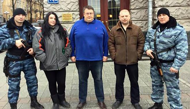 Харківських екс-беркутівців продовжують направляти до Києва охороняти громадський порядок - фото