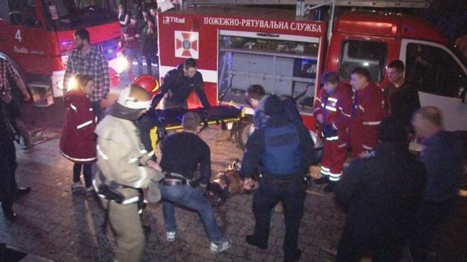 Врезультаті пожежі у нічному клубі Львова постраждало більше 20 осіб