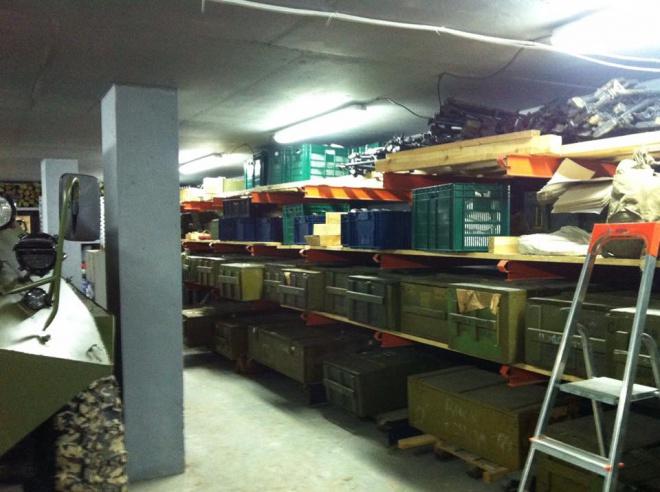 Виявлений «бункер зі зброєю» під Києвом належить інтернет-магазину - фото