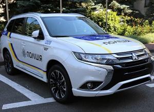 Аваков визнав, що МВС має закупити машини за завищеною ціною - фото