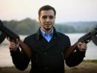 Суд відпустив того, хто порвав портрет Порошенка