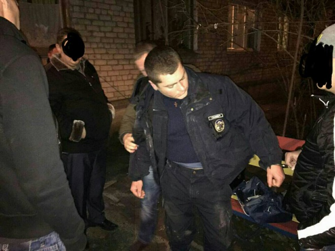 У Миколаєві патрульного затримали на хабарі - фото