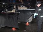 У центрі Києві розстріляли Мерседес: загинув чоловік, у лікарні двоє дітей
