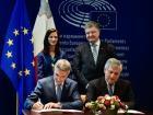 ЄС підписав безвіз для України