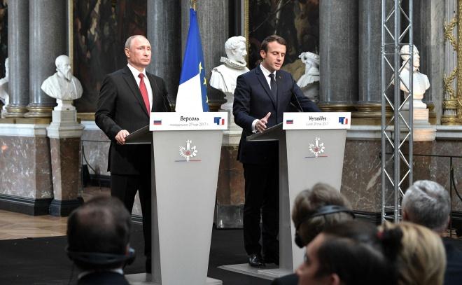 Макрон: Russia Today і «Супутник» - органи брехливої пропаганди - фото