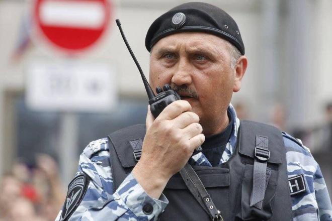 Екс-командир столичного «Беркуту» тепер керує побиттям протестувальників у Москві - фото