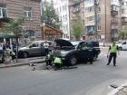 У центрі Києва підірвано позашляховик