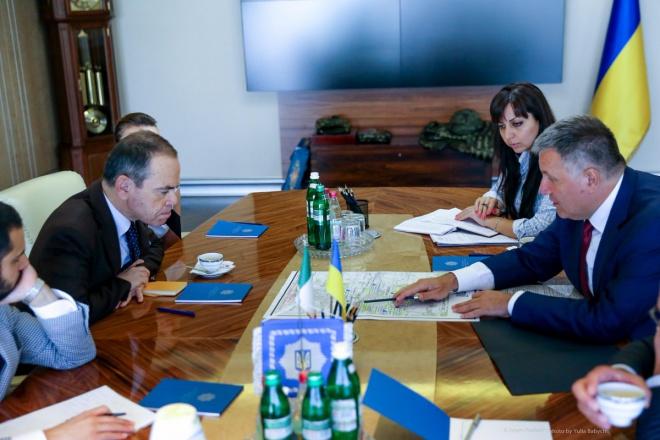 Україна готова надати Італії дані щодо затриманого військового Марківа— Аваков