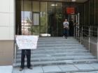 В окупованому Сімферополі поліцаї скрутили хворого престарілого чоловіка