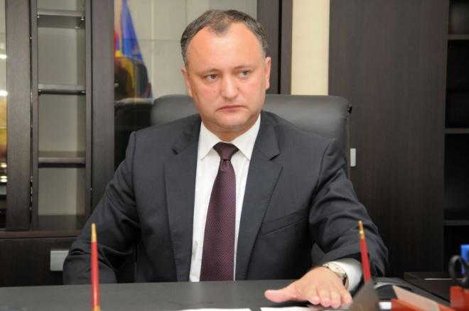 Додон збирається покарати військових, які прибули в Україну - фото