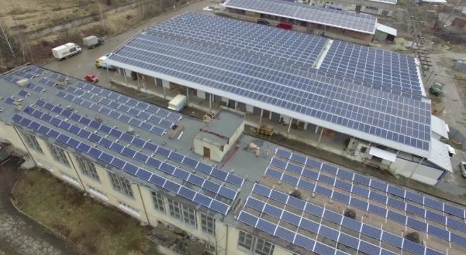 На Львівщині відкрили найпотужнішу в Україні дахову сонячну електростанцію - фото