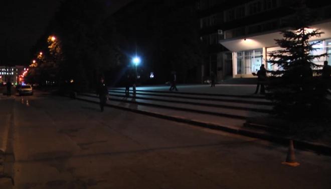У Харкові стався масовий конфлікт біля заводу із застосуванням зброї - фото