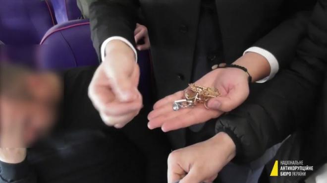 НАБУ показало відео з Розенблатом у літаку при спробі вилетіти до Німеччини - фото