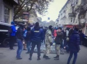 Поліція заявляє про 20 постраждалих правоохоронців під час сутичок в Одесі - фото