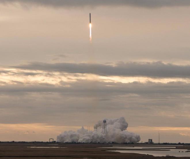 У США запустили космічну ракету, яку розробляли й українці - фото