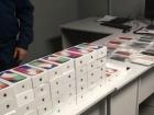 В Одеському аеропорту «не допустили переміщення» в Україну 43 iPhone X