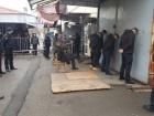 У Миколаєві молодики з пострілами і вибухами напали на ринок