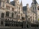 Високий Суд Англії арештовує всіє активи Коломойського і Боголюбова
