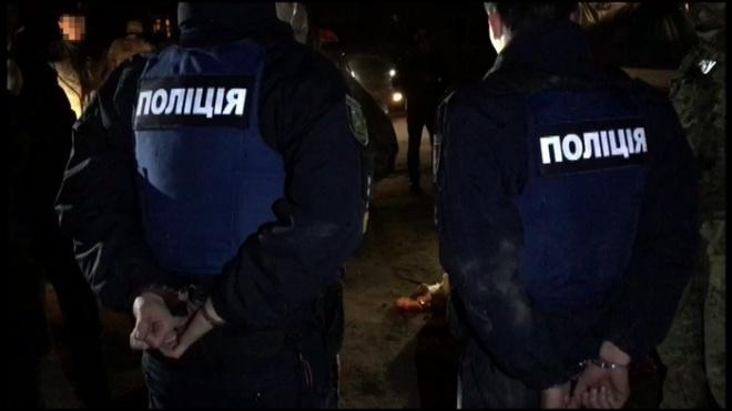 У Харкові викрито патрульних на систематичному вимаганні хабарів у водіїв - фото