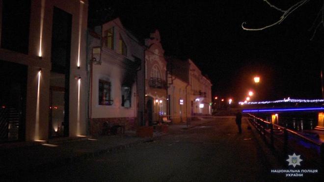 Поліція затримала підозрюваних у підпалі офісу спілки угорців вУжгороді